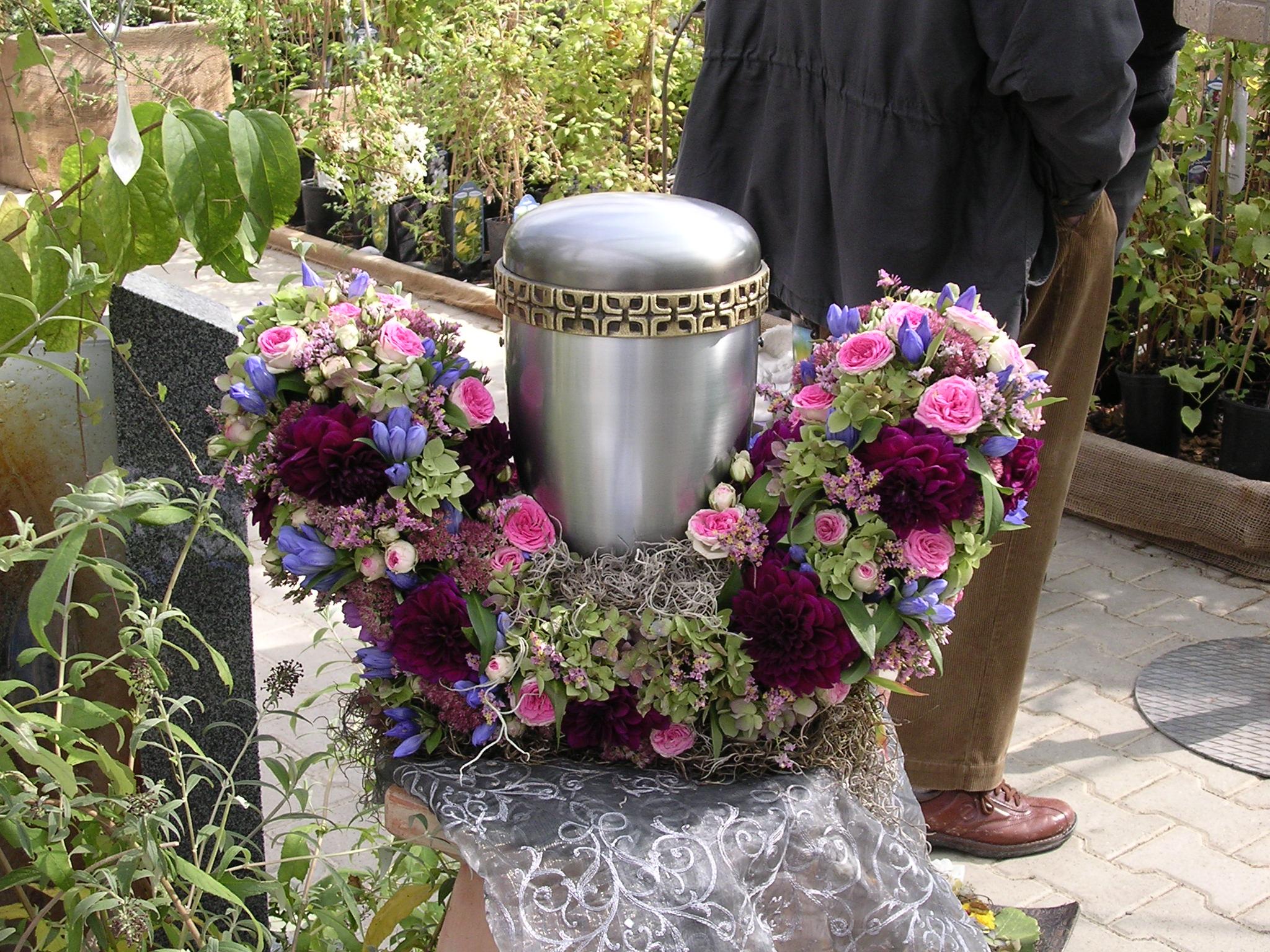 Trauerkr 228 Nze Urnen Bouquets Amp Sargschmuck Zaubergarten